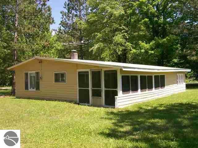 316 N Henderson Lake Road, Lupton, MI 48635