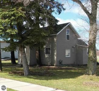 302 Pine Street, Kalkaska, MI 49646