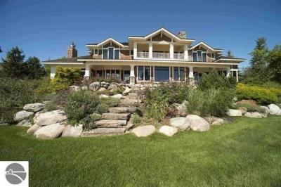 Photo of 07535 Oyster Bay Drive, Charlevoix, MI 49720