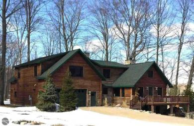 7267 W 38 Road, Harrietta, MI 49601