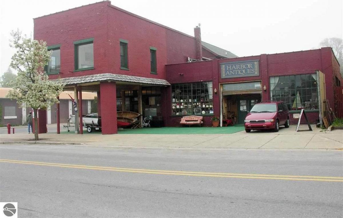 201 River Street, Elk Rapids, MI 49629