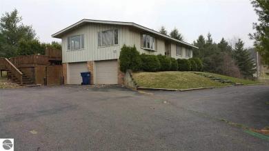 2990 Silver Lake Road, Traverse City, MI 49684