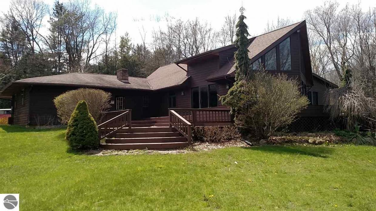 2774 Fitch Drive, Mt Pleasant, MI 48858