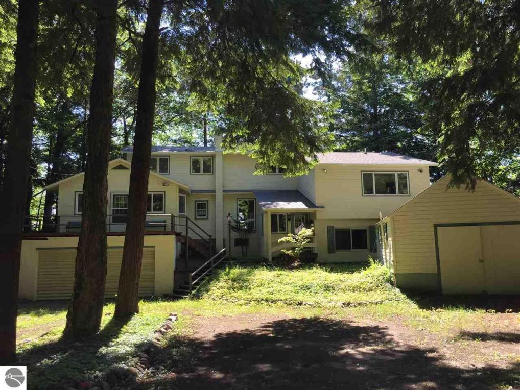 3341 Old State Road, Frankfort, MI 49635