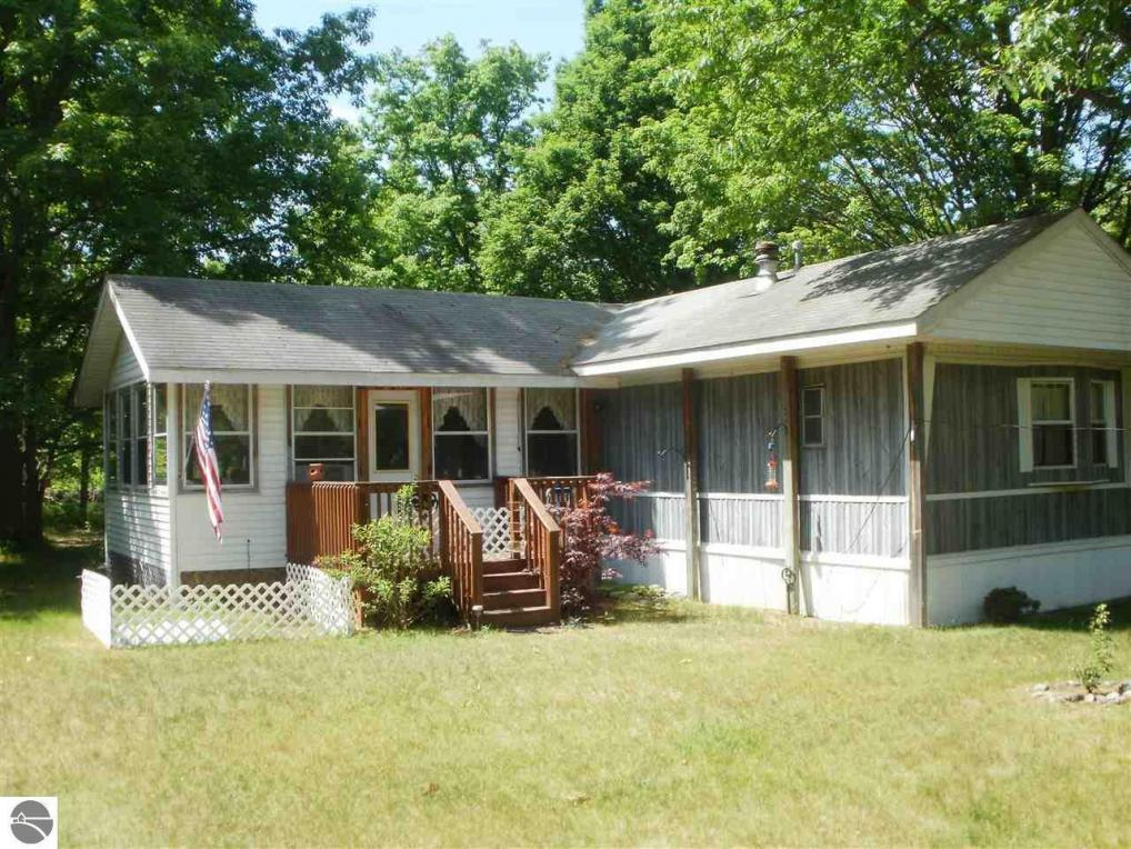 harrietta singles Home for sale: 1,800 sq ft, 2 bed, 2 full bath house located at 4825 w 36 road, harrietta, mi 49638 on sale for $260,000 mls# 1836092 amazing 80 acres.