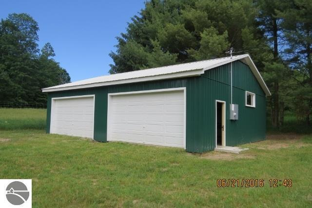 9194 Sunset Hill Road, Central Lake, MI 49622