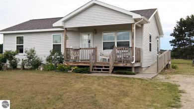 8512 S Elizabeth Drive #3, Maple City, MI 49664