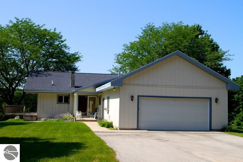 6738 Clam Lake Road, Bellaire, MI 49615