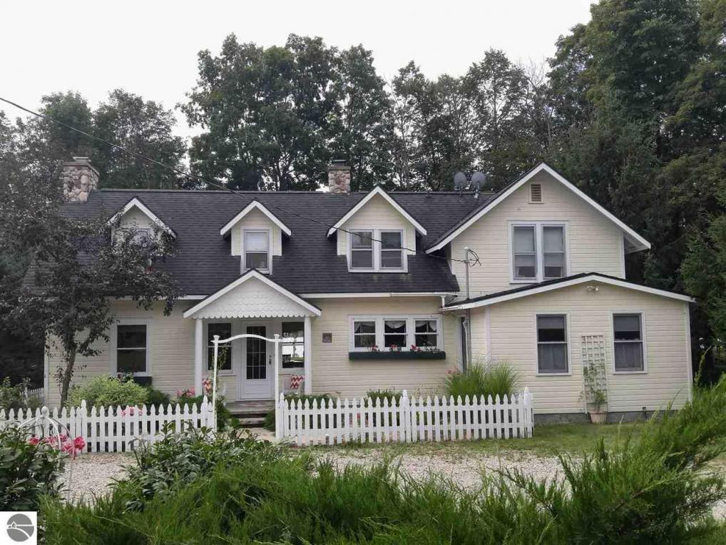 632 S Intermediate Lake Road, Central Lake, MI 49622