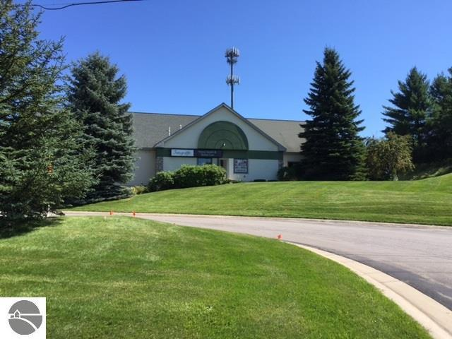 2062 N Us-31 S, Traverse City, MI 49684