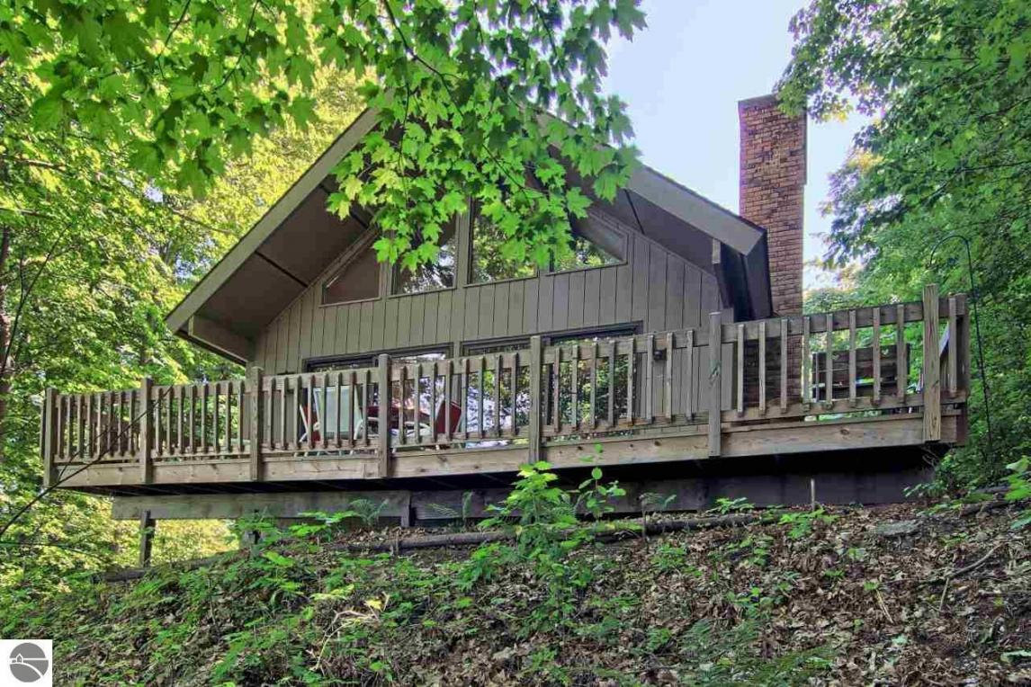 3901 Greene Drive, Frankfort, MI 49635
