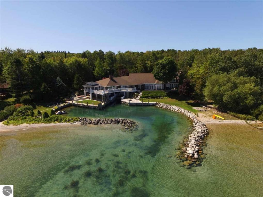785 S Wagon Wheel Drive, Northport, MI 49670