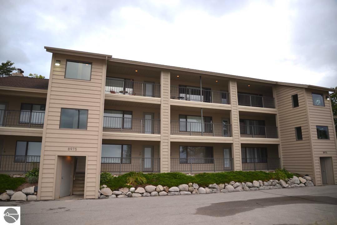8975 N Bayshore Drive #8, Elk Rapids, MI 49629