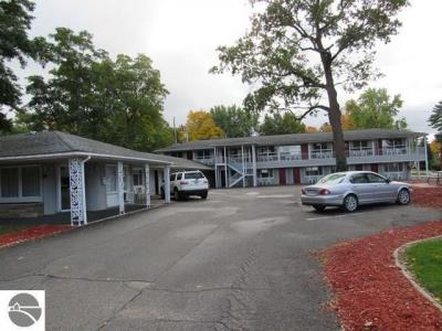 Photo of 1010 E Front Street, Traverse City, MI 49686