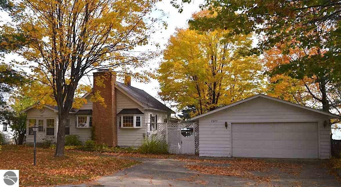 elk rapids single personals Find elk rapids, mi single family recently sold homes on realtorcom® search sold properties, including property sales and home values.
