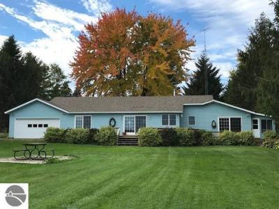Photo of 7950 Hoiles Drive Nw, Williamsburg, MI 49690