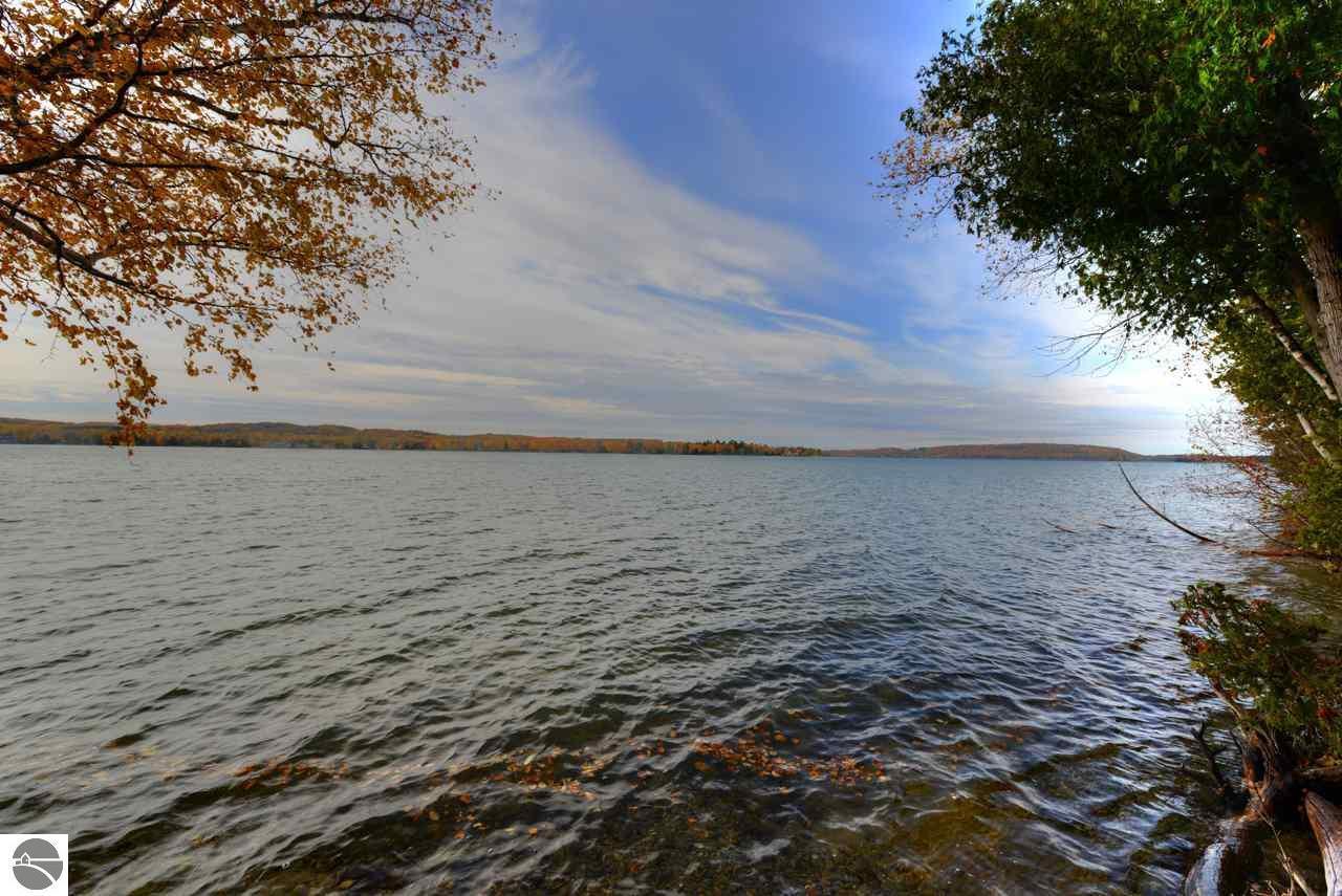 Mls 1825242 1321 n sunset shore drive lake leelanau for Lake leelanau fishing