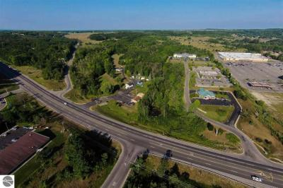 Photo of 2105 N Us-31 S, Traverse City, MI 49684