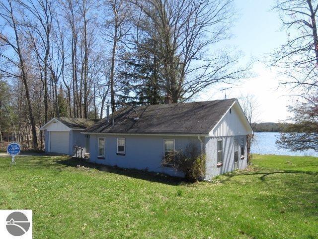 7887 Cottage Drive, Bellaire, MI 49615