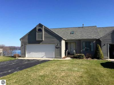 Photo of 6230 Ridge Drive #31, Benzonia, MI 49616