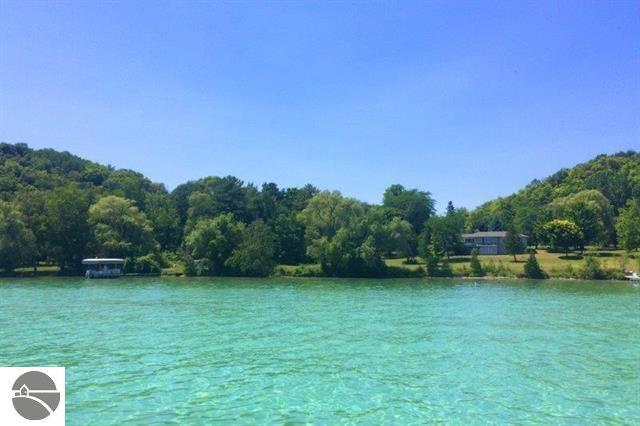 5059 NW Torch Lake Drive, Kewadin, MI 49648