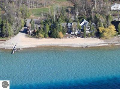 Photo of 100 S Stony Point Road, Suttons Bay, MI 49682
