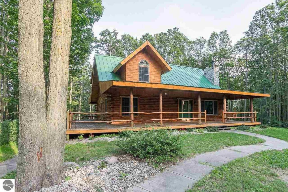 3827 Shumaker Road, Bellaire, MI 49615
