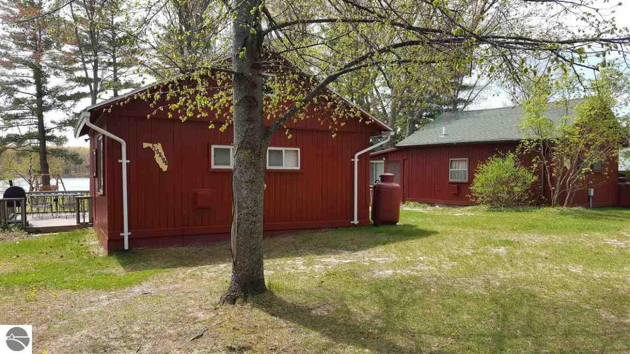 18677 Barber Road 18651 Paradise Hollow Dr. (florida Cottage) #4, Lake Ann, MI 49650