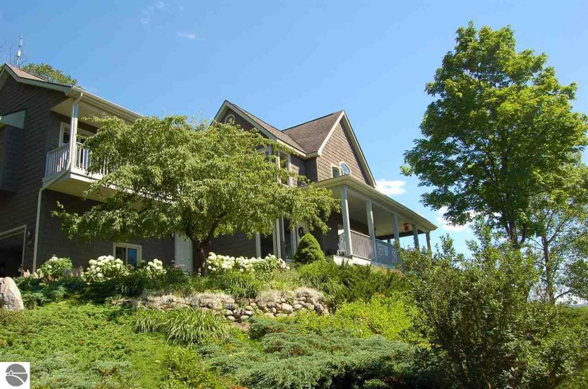 5873 Creek Hill Drive, Bellaire, MI 49615