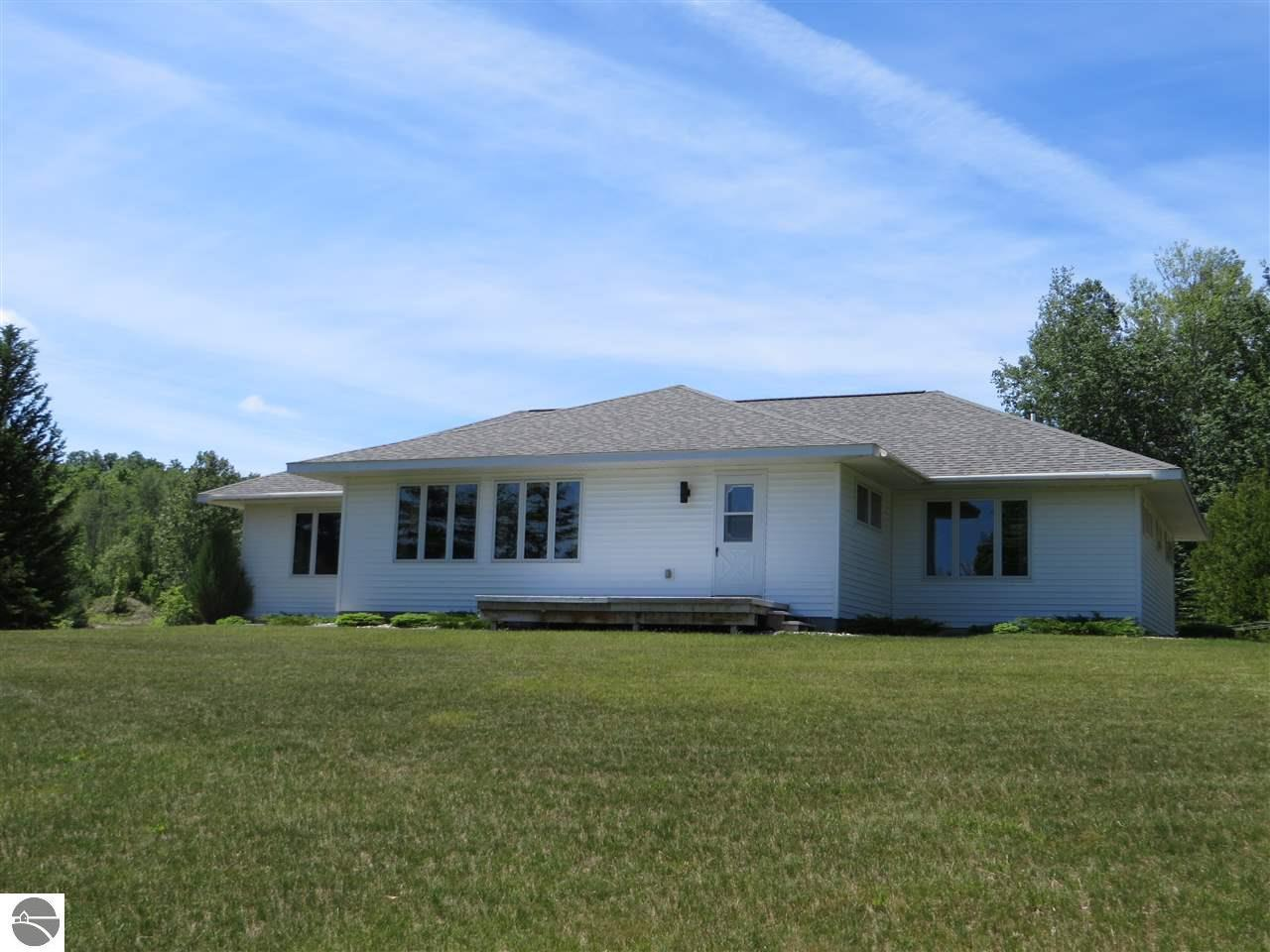 single men over 50 in lake leelanau This single-family home is located at 3100 e overby rd, lake leelanau, mi 3100 e overby rd is in lake leelanau, mi and in zip code 49653 3100 e overby rd.