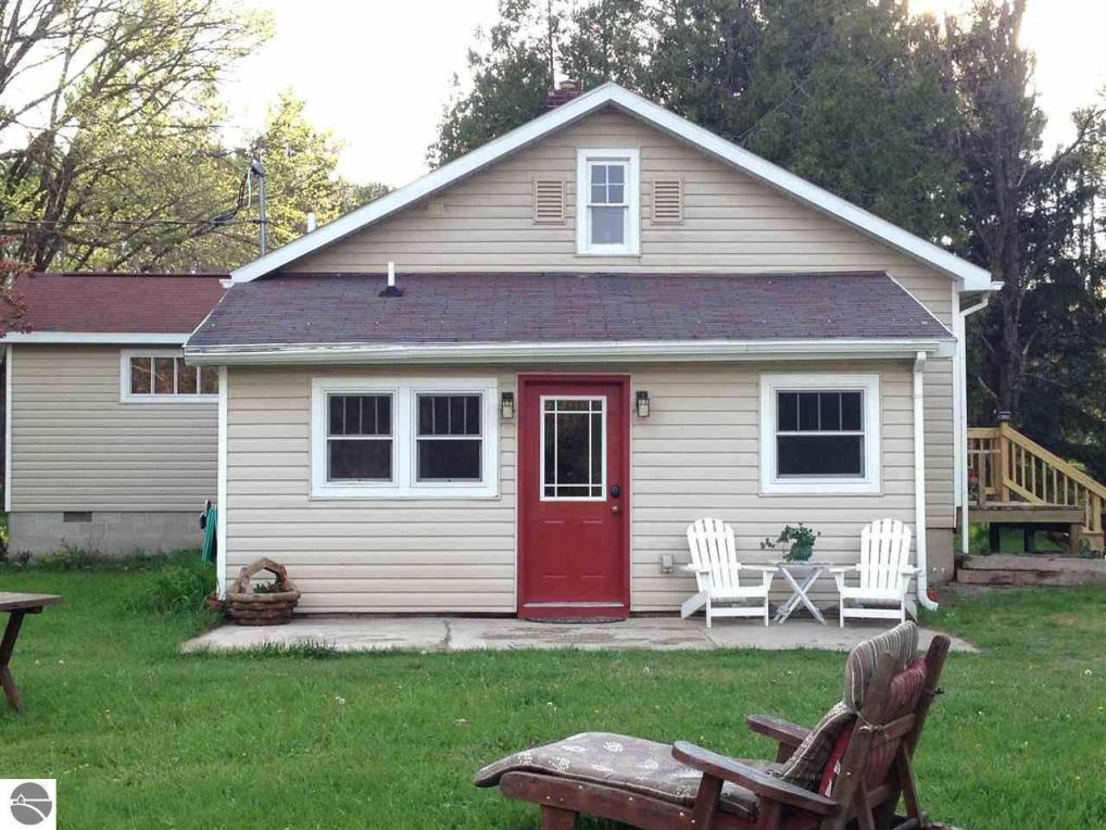 6639 Thompsonville Highway, Thompsonville, MI 49683