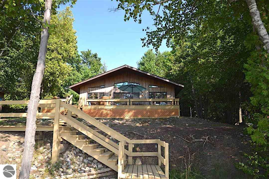 4494 S East Torch Lake Drive, Bellaire, MI 49615