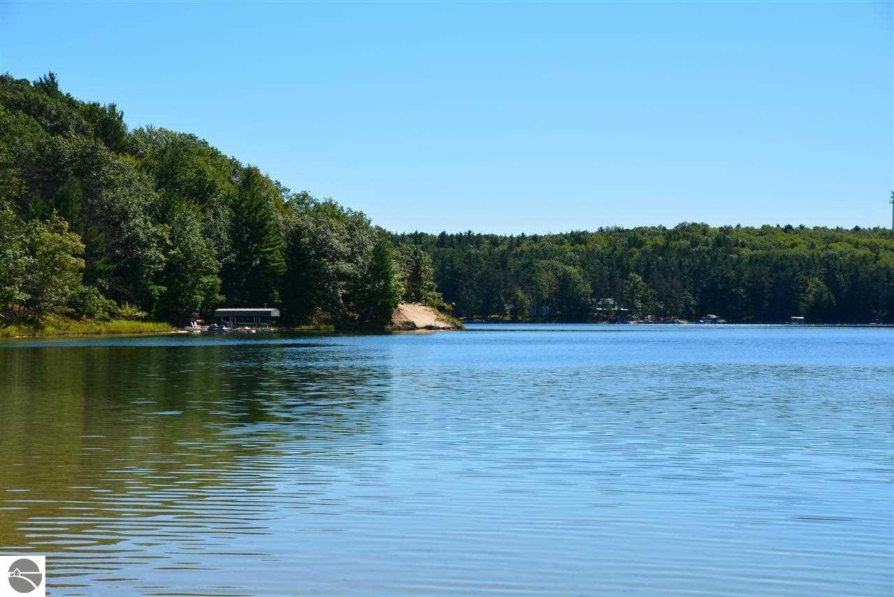 match & flirt with singles in lake leelanau Find houses for sale in lake leelanau, mi and compare real estate listings online connect with a lake leelanau real estate expert at houses321com™ to find a home.
