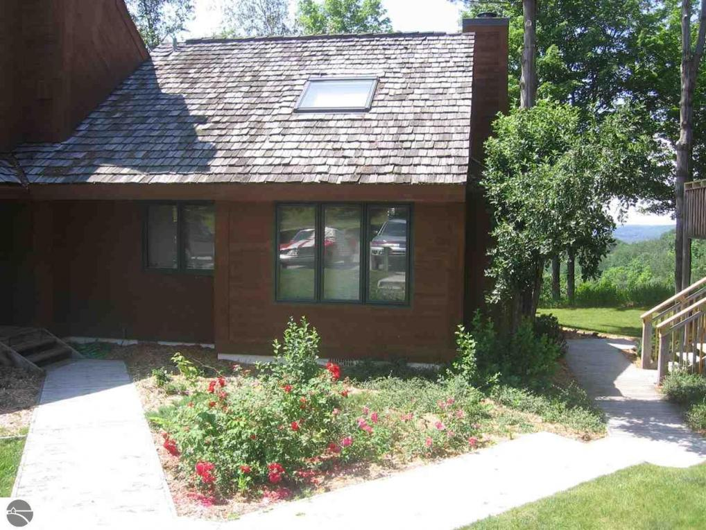 4826 N Crossover Drive, Bellaire, MI 49615