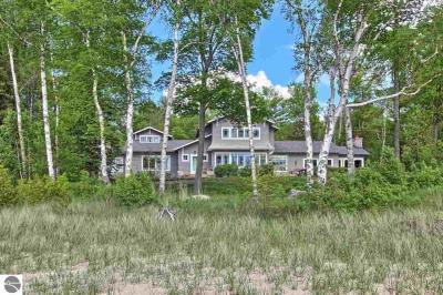Photo of 6899 N Manitou Trail, Northport, MI 49670