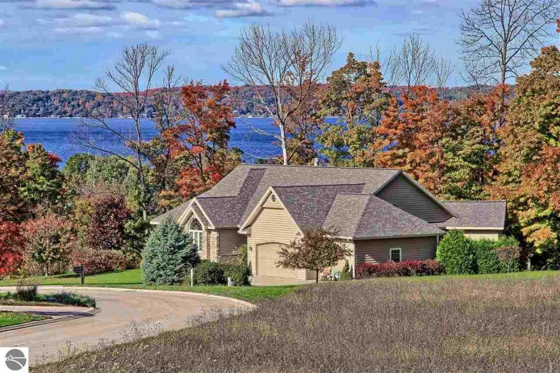 7831 Turnberry Circle, Williamsburg, MI 49690