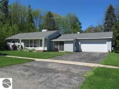 514 S Gladwin Street, Lake City, MI 49651