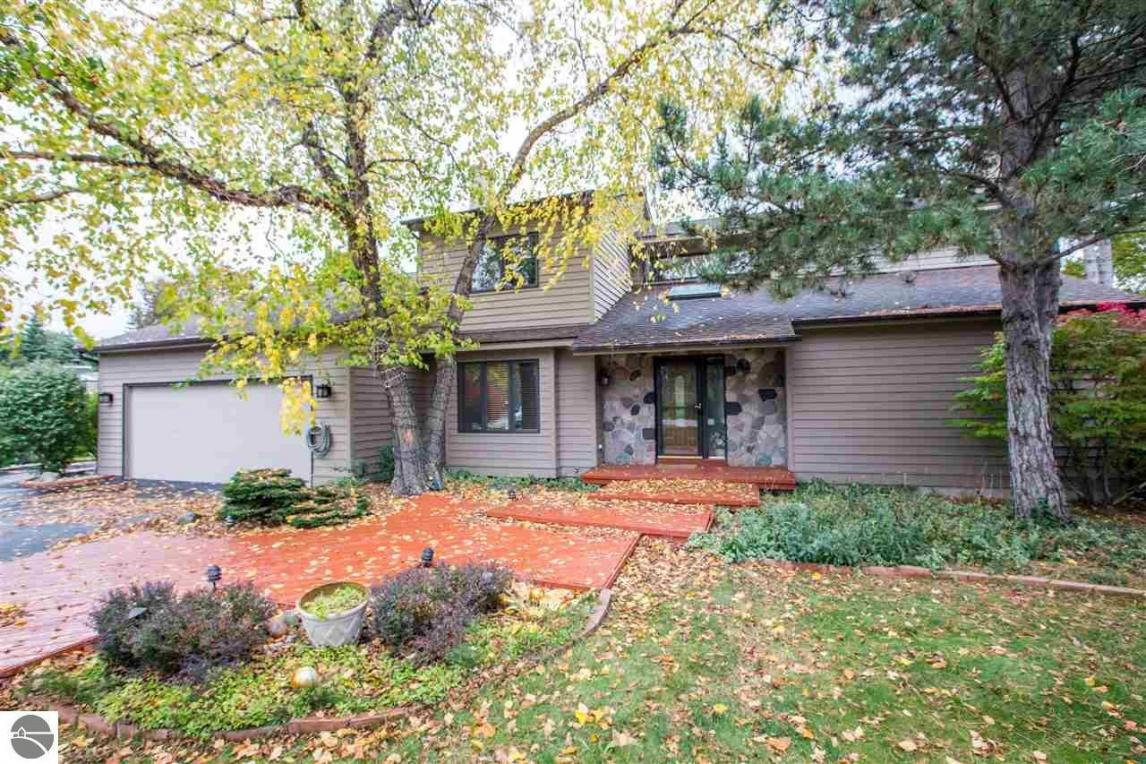 533 Bay East Drive, Traverse City, MI 49684