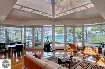 Photo of 354 Beach Road, Frankfort, MI 49635