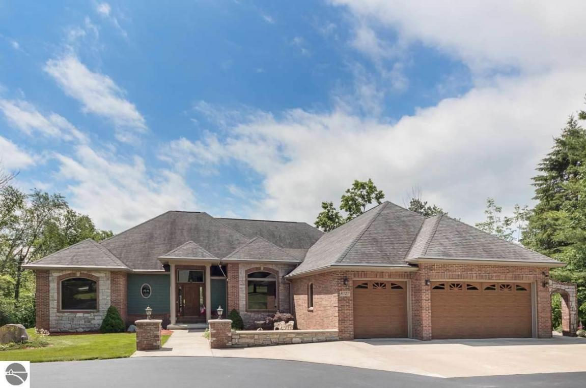 8727 Clam Lake Road, Bellaire, MI 49615