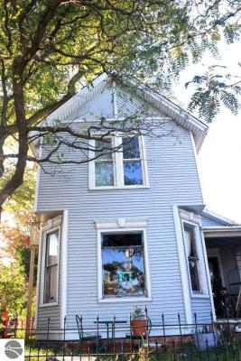 Photo of 609 Frankfort Avenue, Elberta, MI 49628