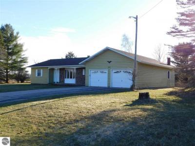 Photo of 691 Rosenberg Road, Kalkaska, MI 49646