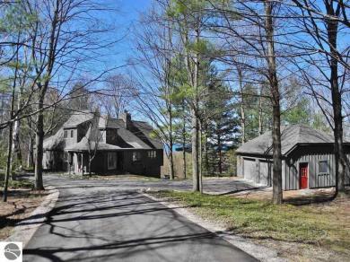 564 S Woodsmoke Drive, Lake Leelanau, MI 49653