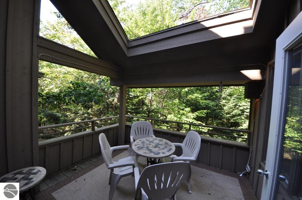 glen arbor single personals Rent this 2 bedroom house rental in glen arbor for $200/night  two bathrooms and a screened-in porch for summer beds for five, including three single.