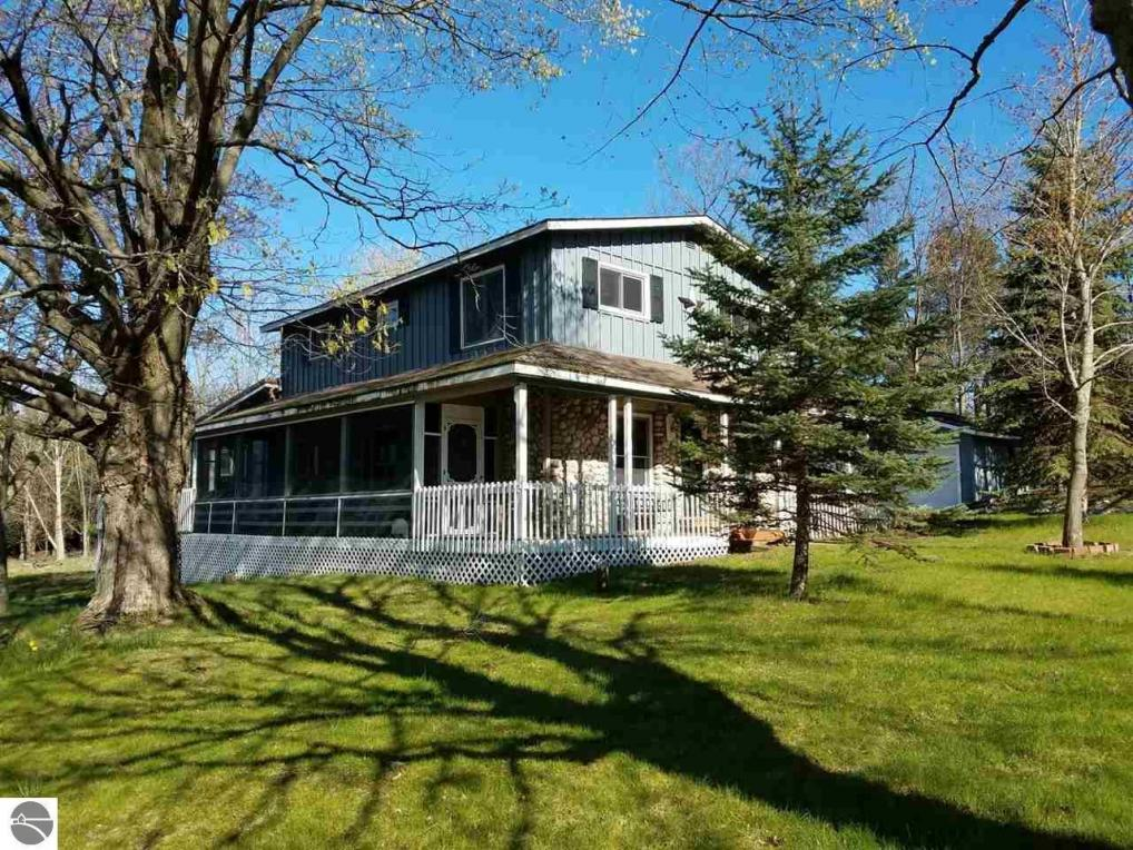 5714 Indian Hill Road, Honor, MI 49640