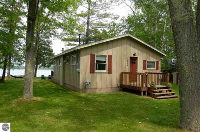 Photo of 14656 Williams Drive, Elk Rapids, MI 49629