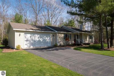 Photo of 1563 Green Oak Drive, Interlochen, MI 49643