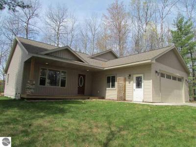 Photo of 1595 Round Lake Road, Interlochen, MI 49643