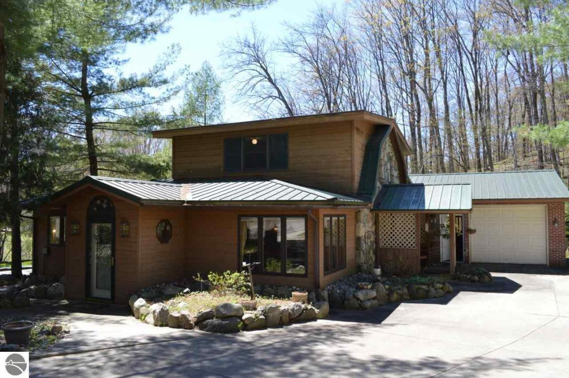 9924 W Old State Road, Central Lake, MI 49622