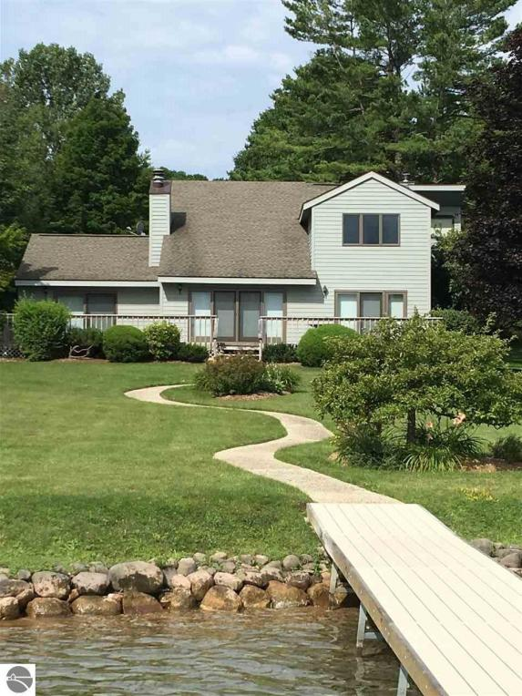5113 NW Torch Lake Drive, Kewadin, MI 49648